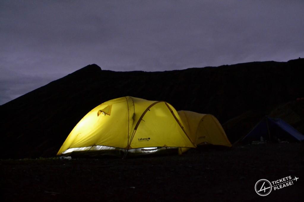 une nuit au pied d'un volcan actif