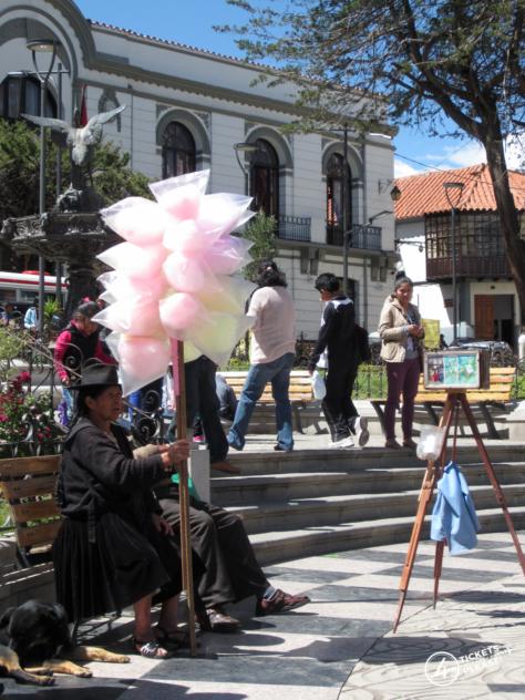 Plaza 10 de Novembre