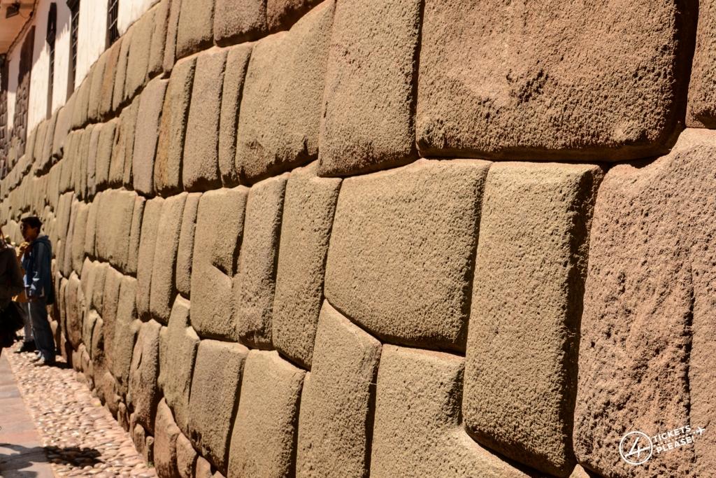 Mur en Pierre de l'époque Inca